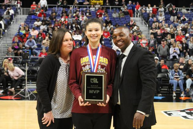 McKinna Brackens was named Championship Game MVP for her efforts on both ends. The freshman had 15 points and 10 rebounds against Argyle.